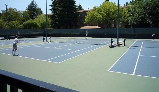 カリフォルニア観光、テニスコート.jpg